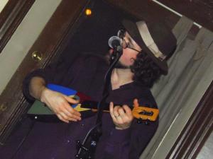 Michael Munnik with Neil Gerster's ukulele