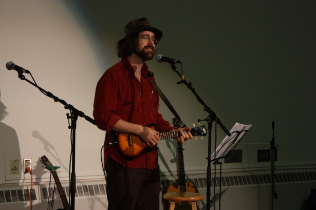 Michael playing the uke at a tribute concert for Bob Froese, May 2009