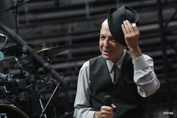 Leonard Cohen live in Nîmes