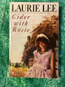 Cover image of Cider with Rosie by Laurie Lee